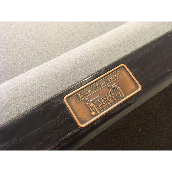 Table de billard usagée format compétition 4½ x 9 pieds de marque Canada Billard Anniversary noire avec 6 pattes - pic 5