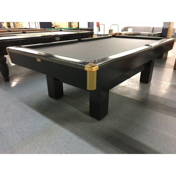 Table de snooker usagée petit format 4 x 8 de marque Canada Billard - Image 1