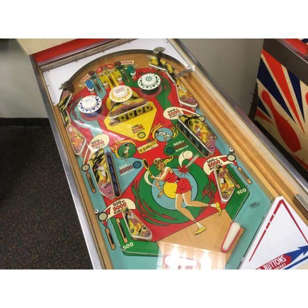 Machine à boules antique pinball électro-mécanique flipper EM Gottlieb Volley de 1976 - image 3