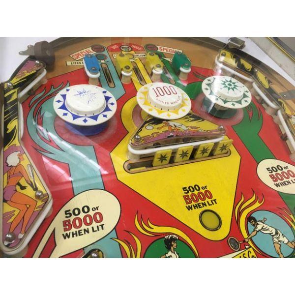 Machine à boules antique pinball électro-mécanique flipper EM Gottlieb Volley de 1976 - image 6