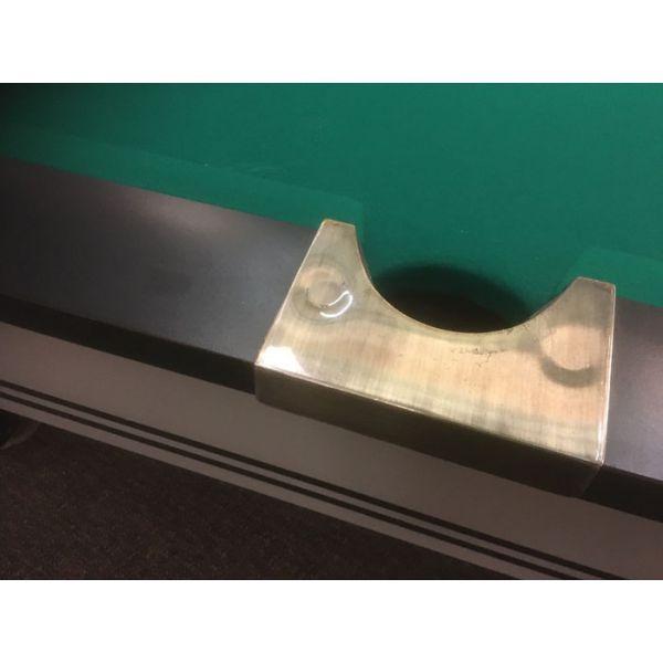 Détail de coin en métal chromé de table de billard - Image 2